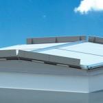 RWA-Doppelklappensystem von Lamilux: Rauchaustrittsfläche von bis zu 9 m2. Bilder: Lamilux
