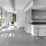 Neue Lösungsansätze wie der Fermacell Trockenestrich gewährleisten eine sichere Verlegung von Großformaten. Bilder: Fermacell GmbH