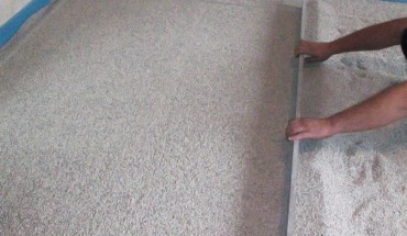 Trockenschüttung: Gedämmt und nivelliert in einem Schritt