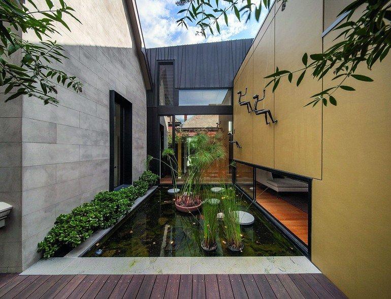 umbau einer villa in melbourne titanzink scharen f r unngebrochene fl che. Black Bedroom Furniture Sets. Home Design Ideas