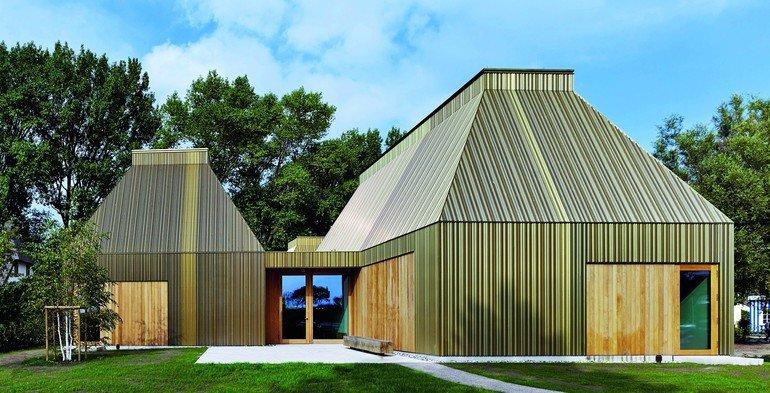 Neubau eines Museums in Ahrenshoop mit Tageslicht im Inneren. Bild: Osram-Siteco