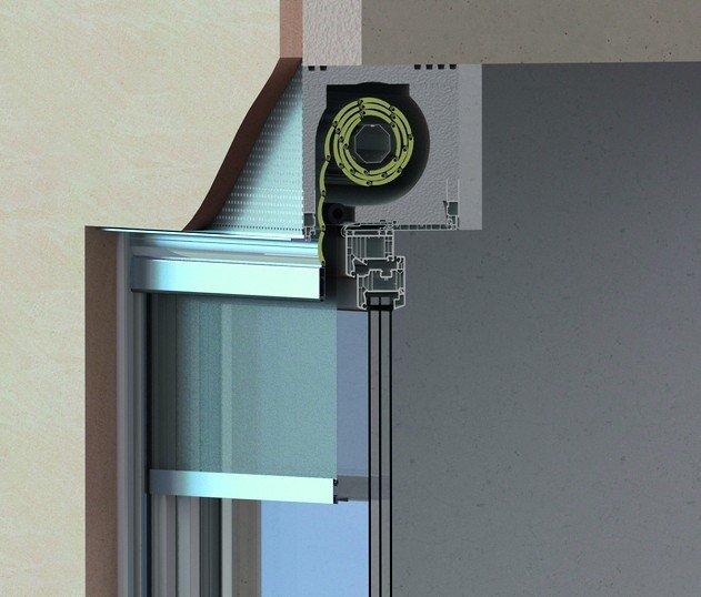 Schnitt durch ein Fenster mit Textilmarkise und den darüber liegenden Rollladenkasten. Bild: Alukon