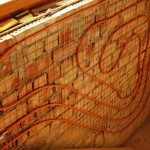 Treppenhäuser - meist möbelfrei - eignen sich ausgezeichnet für Wandheizungen. Bild: Wieland-Werke