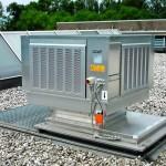Klimatechnik auf einem Flachdach. Bild: Colt