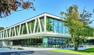 Tragwerk gleich Fachwerk dank eines Schwerlastdorns bei der Cafeteria des KIT. Bilder: Schöck Bauteile GmbH