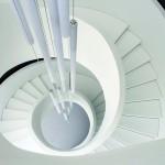 Ausgeführt wurde das Treppenunikat in Handarbeit, bestehend aus Metallkonstruktion, Gipskarton und weißem Mineralwerkstoff. Bild: Francesca Bottazzin