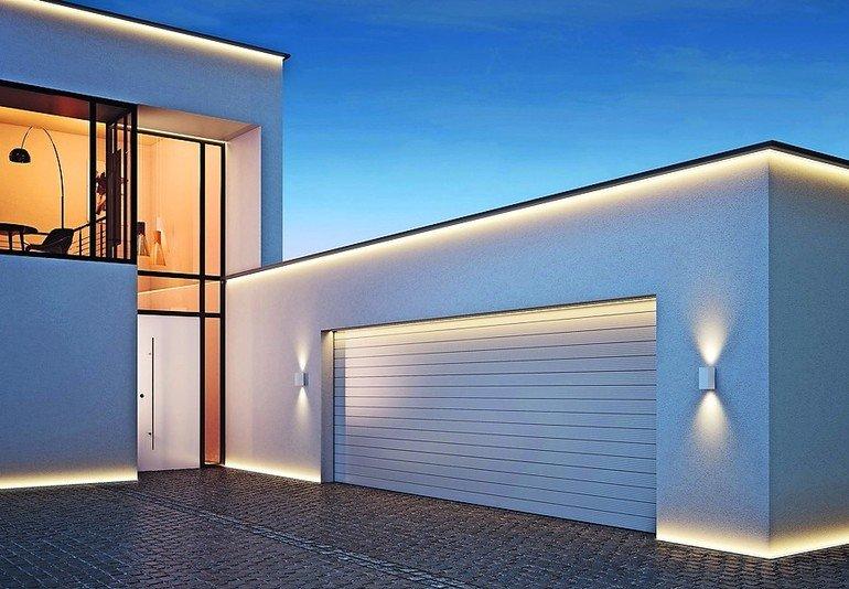 Indirekte Fassadenbeleuchtung in Aktion. Bild: Döllken Lighting