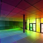 Design-Gläser im Eingangsbereich einer schule