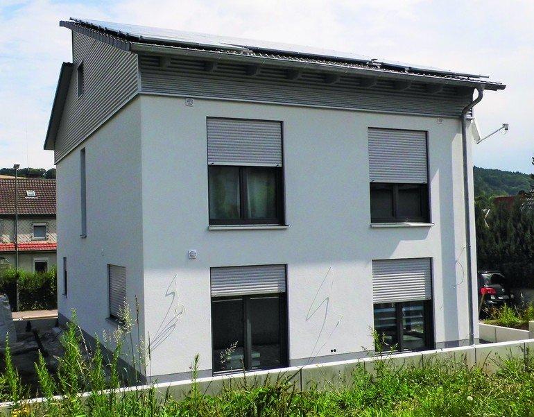 Neubau eines Effizienzhauses in Bad Orb: Bodenplatte als Energiespeicher