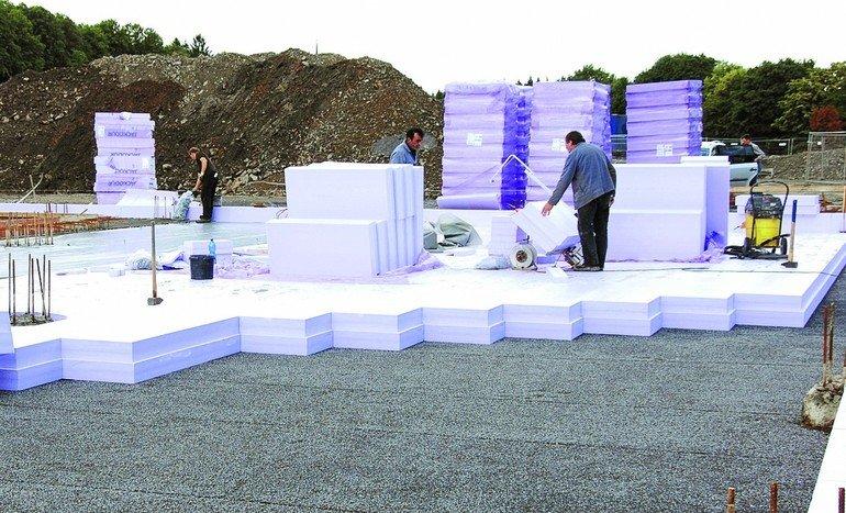 Ein Fundament wird isoliert. Bilder: Jackon Insulation