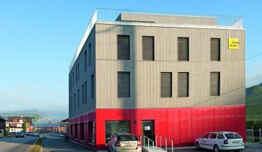 Der viergeschossige Neubau ist oberhalb des Untergeschosses ein Hybridbau mit Holz als dominierendem Werkstoff. Bilder: Felix Peter, Worb / CH