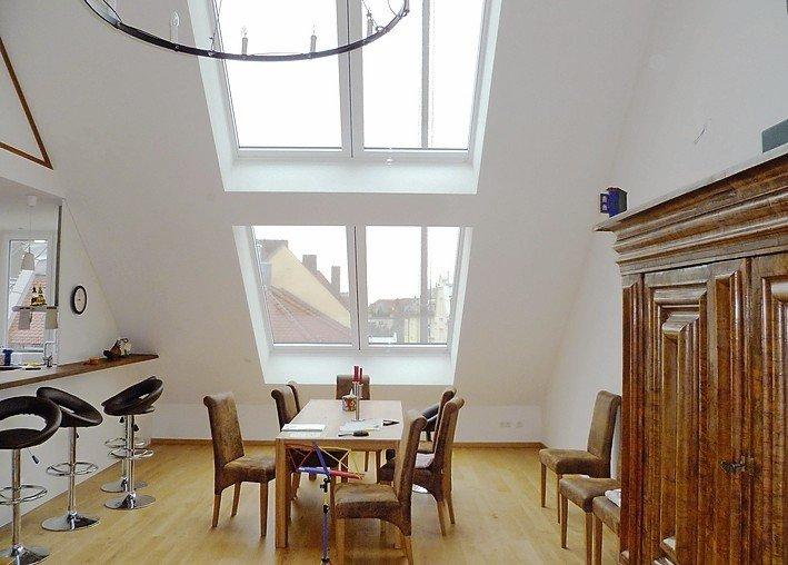 Dachschiebefenster mit elektrisch dimmbaren Sonnenschutzgläsern. Bild: Lideko