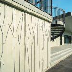 Nach Musteranfertigung entschied sich Architektin Sigrid Baumgärtner für den stilisierten Auwald als erhaben gestaltete Struktur. Bild: Noe-Schaltechnik
