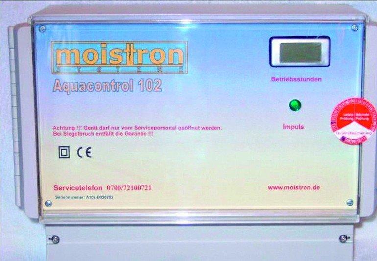 Elektro-magnetische Mauerentfeuchtung mit Aquacontrol
