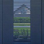 Gartentor mit Sichtlamellen. Bild: Renson