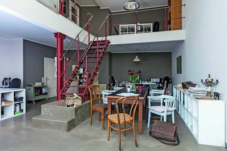 umbau einer ehemaligen glaserei zum architekturb ro in oldenburg mit patina zu neuer energie. Black Bedroom Furniture Sets. Home Design Ideas