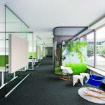 Die Bürolandschaft bietet Offenheit und ermöglicht zugleich Rückzug. Bilder: Feco Innenausbausysteme