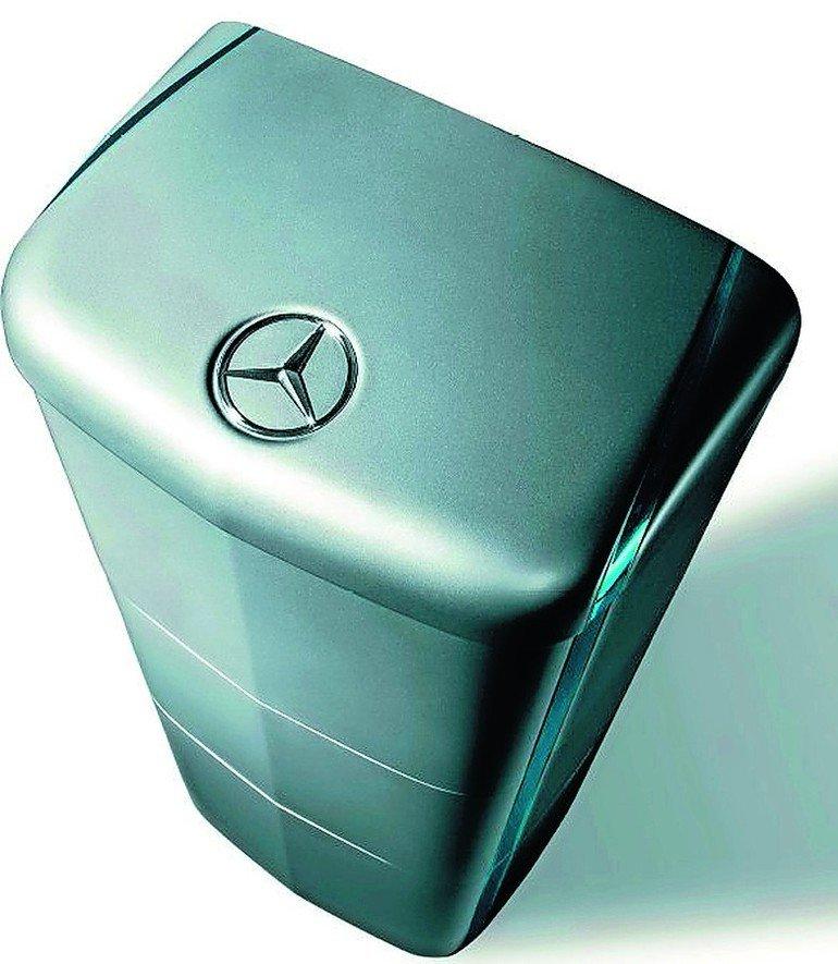 Grüne Box mit Mercedesemblem. Bild: Braas