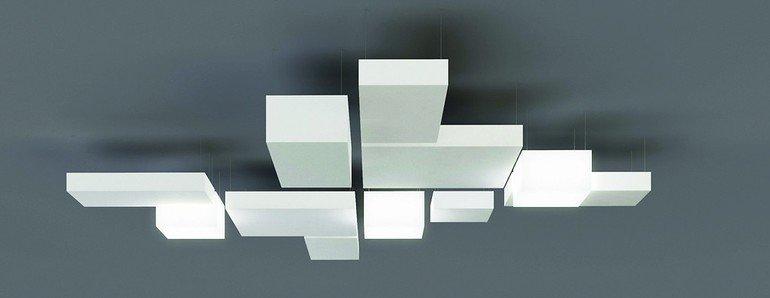 Rechteckige Deckensegel mit Leuchtfunktion. Bild: Owa
