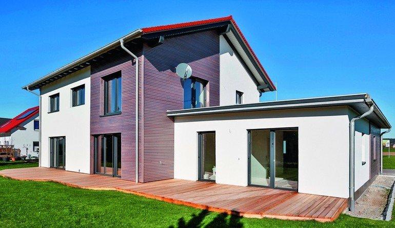 Einfamilienhaus mit Anbauwohung. Bild: Knauf/Martin J. Duckek