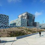 Sechs Würfel in Dünenlandschaft: Internationaler Strafgerichtshof auf einer Bruttogeschossfläche von 54000 m². Bild: Schmidt Hammer Lassen Architects/Photographer Adam Mørk