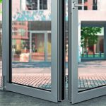 Barrierefreie Falt-Schiebefenster-Systeme mit Tauwasserschutz. Bild: Roto