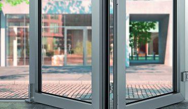 Barrierefreie Falt-Schiebefenster-Systeme mit Tauwasserschutz