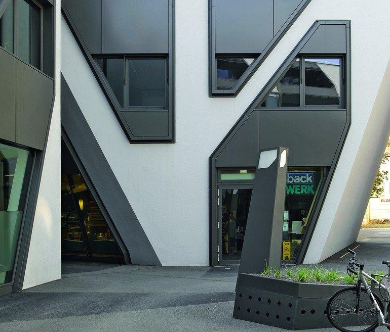 Wärmeschutz an Außenwänden: Zur erdberührten Perimeterdämmung und Fassadendämmung gesellen sich Sockeldämmsystemen. Worin liegen aber die Unterschiede?