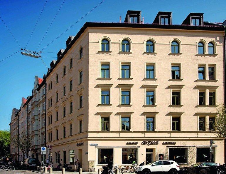 Altbauhaus mit originalgetreu erneuerten Holzrahmenfenstern. Bilder: Kneer-Südfenster