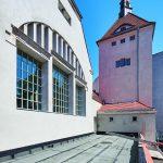 Die Fenster nehmen die Gestaltung der Bogengänge auf und führen sie fort. Bild: Stephan Falk, Berlin, für Jansen AG
