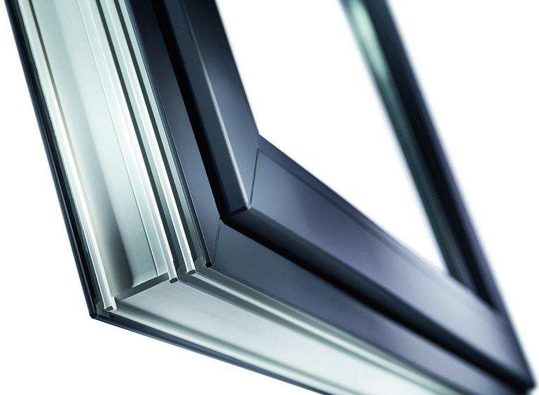 Profil eines Fensterrahmens. Bilder: Veka