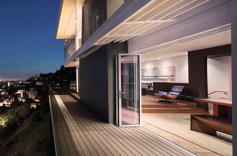 Glas-Faltwand mit individuellem Gestaltungsspielraum, Barrierefreiheit und großen Öffnungen. Bild: Solarlux