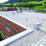 Kantprofile aus Aluminium rahmen die Dächer ein. Bild: Richard Brink GmbH &Co. KG