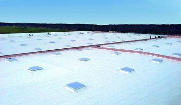 Dachbahn für praktisch alle Anforderungen: Große Bahnenbreiten als besonderer Vorteil