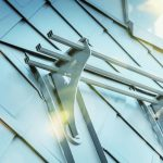 Auf den Aluminium-Dachrauten lassen sich auch Schneefangvorrichtungen problemlos anbringen. Bild: Prefa/Croce