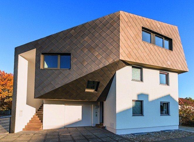 Einfamilienhaus mit verzinktem ersten Stockwerk. Bild: Kalzip GmbH