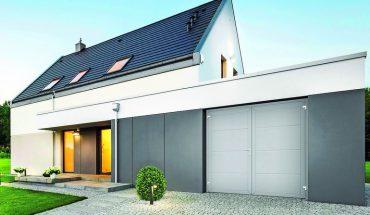 Wärmegedämmt: Zweiflügeliges garagen-Drehflügeltor.