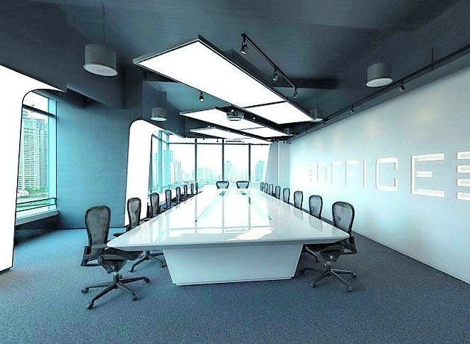 Konferenzraum großem Tisch und Deckensegeln mit Doppelfunktion als Lichtmittel. Bild: Kiefer Luft- und Klimatechnik