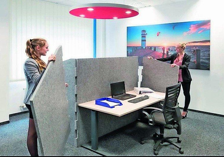 Schalldämmung für flexible Einhausung zum Arbeiten. Bild: SilentOfficeWall