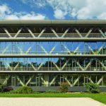 Den Neubau für SAP prägen konstruktive Betonelemente, teils in Sichtbeton. So entsteht der Charakter einer Werkshalle bei hoher Aufenthaltsqualität. Bild: zooey braun Fotografie, Stuttgart