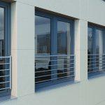 Transparente Absturzsicherung für Kunststofffenster. Bild: Schüco Polymer Technologies KG