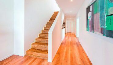 Treppenbeleuchtung erhöht die Sicherheit und trägt zur optischen Gestaltung bei. Bild: Stadler Treppen