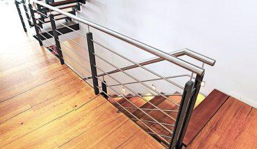 Geländer und Handlauf prägen die Sicherheit und Optik von Treppen. Bild: Fuchs-Treppen