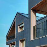 Die Strom-Produktion erfolgt über Dünnschichtzellen auf den Fassaden sowie über kristalline PV-Module auf dem Dach. Bild: René Schmid Architekten AG