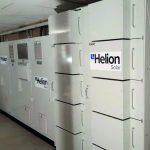 Energieautark auch dank der Speichertechnik: Wärme wird in den Langzeitspeicher unter dem Gebäude geleitet. Bild: Helion-Solar