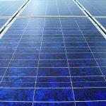 Unabhängig werden: Hausstromspeicher können Strom aus PV-Anlagen speichern. Bild: BSW-Solar/Upmann