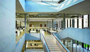 Kautschuk-Beläge aus noraplan sentica unterstützen das Open-Space-Konzept des Labor- und Bürogebäudes auf dem Züricher Balgrist Campus. Bild: Ruedi Walti