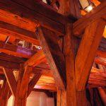 Das Renaissance-Schloss verfügt über einen dreigeschossigen gotischen Dachstuhl mit 200 Dachbalken. Bild: Konbau GmbH
