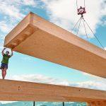 Modul aus OSB 4 Top für den Bau des Verwaltungsgebäudes in St. Johann in Tirol. Bild: Egger