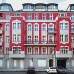 Zur energetischen Sanierung erfordern bewahrenswerte Fassaden eine Innendämmung zugunsten der äußeren Optik. Bild: Rigips